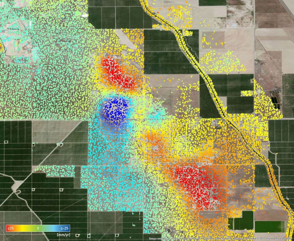 InSAR analysis over a cyclic-steam-operation oil field