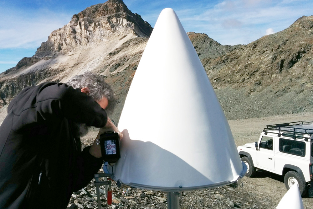 Artificial Reflector for InSAR monitoring